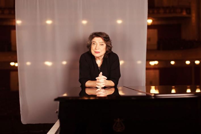 Elisabeth Leonskaja, Klavier