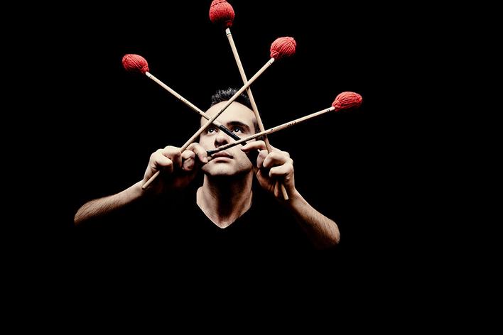 Simone Rubino, Perkussion   La Chimera   Eduardo Egüez, Leitung: Fuga y Misterio